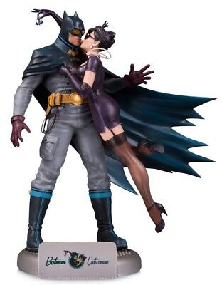 DC Collectibles DC Comics Bombshells Batman and Catwoman Deluxe Statue New