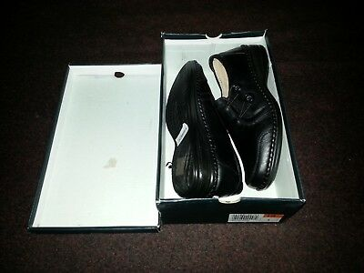 50ae4e139b74 Ladies Caravelle Size 5 Wide Fitting Black Flat Shoes Brand New Never Worn