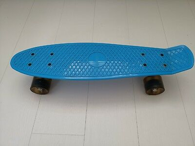 Enkeeo Kids Skateboard / Cruiser Board - Blue