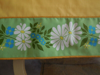 """Vintage Yellow Fabric Tablecloth Rectangle 80"""" X 62"""" Floral Daisy Border"""