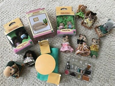 Calico Critters lot of furniture + 5 critters, sandy cat & pickleweed hedge twin