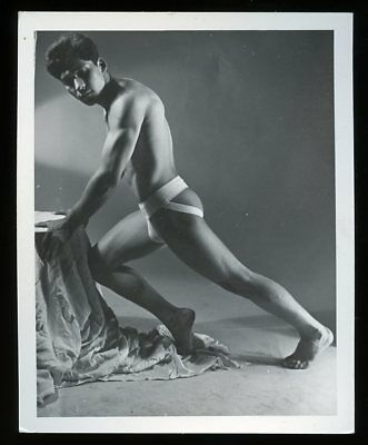 "4""x5"" (Western Photography Guild?) Gay-Interest BODY BUILDER PHOTO #4 of 18"