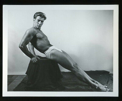 "4"" x 5"" (Western Photography Guild?) Gay-Interest BODY BUILDER PHOTO #8 of 18"