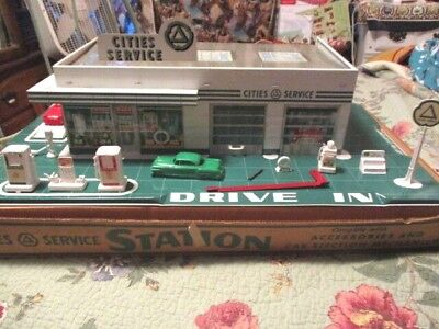 Very Rare Marx Cities Service Tin Gas Station In Box # 8454 Very Nice Cond.