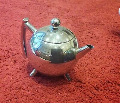 Chrome/stainless Steel Teapot With Internal Strainer