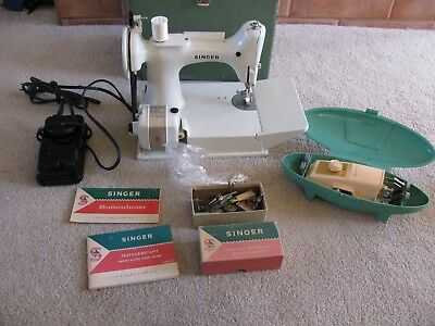 White Singer Featherweight Sewing Machine 221K  With Case Paper Work And Extras
