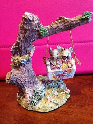 VINTAGE RESIN MICE/MOUSE in LOVE SWINGING from a TREE HEART 1995 FIGURINE