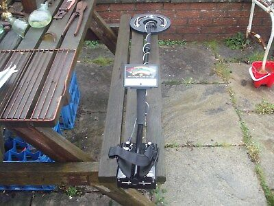 Excellent Whites 6000 Di Pro Metal Detector With  Holdall And instructions