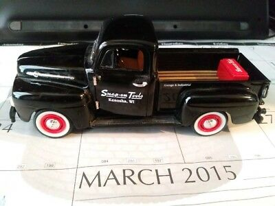 1 24 Snap-on 1952 Ford F-1 Pick-up Bank