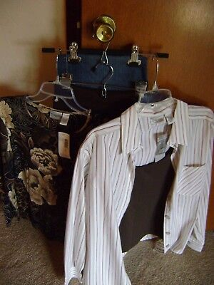 Chico's Lot of 5 items  2 pants size 2.5  3 tops  size 2