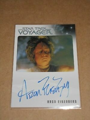 Star Trek Quotable Voyager Aron Eisenberg as Kar autograph MINT