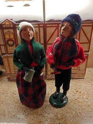 Byers Choice Carolers, Man and Woman at weiner roast.
