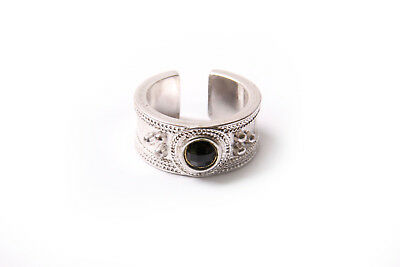 Ancient Times Inspired Silver Ornamental Ring Cute Black Middle Front Bead(T336)