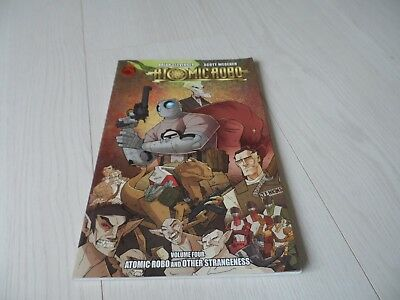 Atomic Robo Volume 4 : And Other Strangeness Clevinger Red 5 Comics TPB VFN