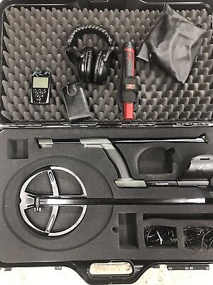 XP DEUS FULL METAL DETECTOR  WITH WS5 HEADPHONES, REMOTE And Pinpointer