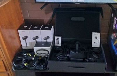 Oculus virtual Reality equipment for PC + 3 x extra sensors / cables