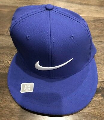 dca021a5285 NEW Nike Golf True Statement Flat Bill Mens Fitted Cap Hat S M 727032