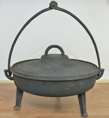 RARE Antique 18th C 19th C Cast Iron FIREPLACE Hearth HANGING SKILLET Lid POT #2