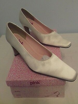 Pink by Paradox Shoes sz 3.5 Ivory Mid Heeled Wedding Womens - New no Box