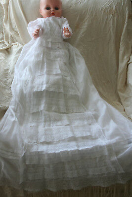 Exquisite Antique Victorian Gossamer Lawn Babies Christening Gown & Petticoat.