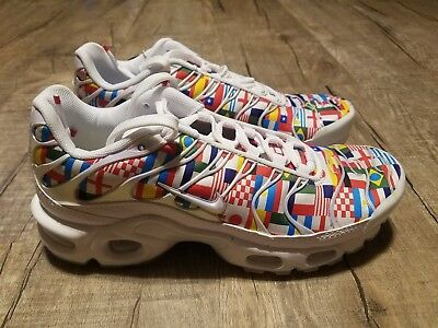 2bd128bcd10 MENS NIKE AIR Max Plus NIC FIFA World Cup Flag Pack AO5117-100 Size ...