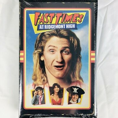 Fast Times At Ridgemont High (Blu-ray, Rare Retro VHS Style Packaging)