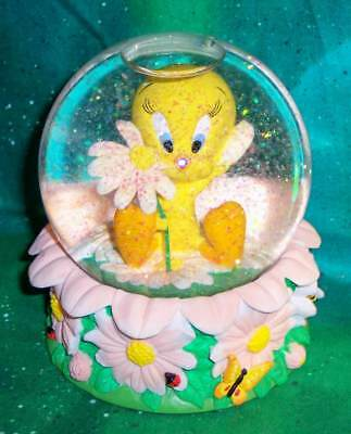 Retired 2000 Looney Tunes Goebel Tweety Bird She Wuvs Me Resin Glass Snow Globe