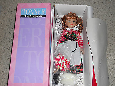 "TONNER CLUB Exclusive 14"" JANE Red Riding Hood-NRFB -Bent Knees"