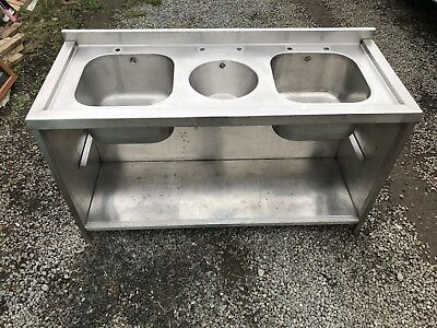 Commercial Heavy Duty Stainless Steel 3 Bowl Sink on Stainless Steel frame Unit