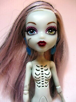 Mattel MONSTER HIGH DOLL - FRANKIE STEIN Ghoul's Alive - Nude (FS03) Working