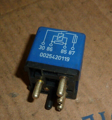 MERCEDES E-CLASS W124 Auxiliary Fan Control Relay 0025420119 In Good