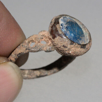 STUNNING-UNCLEAN-Roman Bronze Ring With Nice Unknown Blue Stone 3rd-4th Century