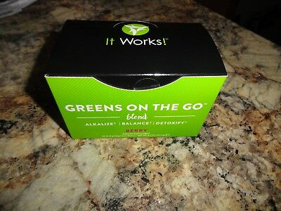 It Works! Greens on the Go Blend Packets Berry New! 30 Packets ⭐️💪💄Not expired