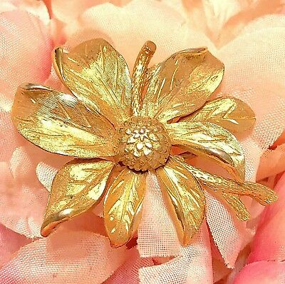 4da931be15d STATEMENT PIN BROOCH Yellow Gold Tone Floral 3d Flower Round Vintage ...