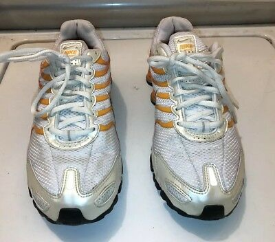 2cb2372381d0 NIKE SHOX Women s FITNESS Running Shoes Silver White Pink ORANGE Size 7M  VGUC+
