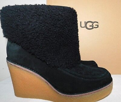 b93cf649a8e NEW WOMENS SIZE 9.5 Black Ugg Coldin Wedge Suede Sheepskin Ankle Booties  Boots