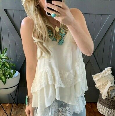 00989cb347 S NWT White Lace Layered Hem Boutique Tank Blouse Women's SMALL Top Extender