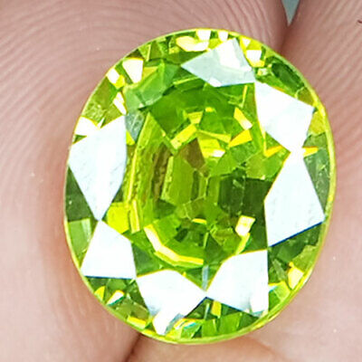 12.39 Cts All Men Perfect Oesire Gem Fancy Apple Green Natural Peridot
