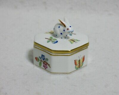 Herend Queen Victoria Older Small Trinket/Ring Box 6020/VA with Bunny Finial