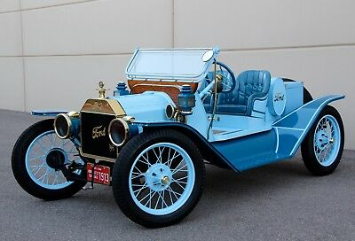 1913 Ford Model T Speedster Oldtimer Runabout Henry Ford Speedster full of Brass goodies from the era like a Cadillac or Buick