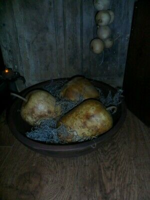 Primitive Dough Bowl, Buttery, w/ (3) Dried Apple Gourds, Large Wooden