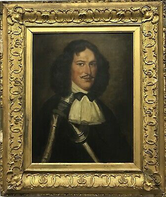 Quality 19th century antique oil painting on board Portrait of a gentleman