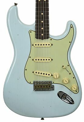 Fender Custom Shop 1963 Stratocaster Journeyman Relic in Sonic Blue
