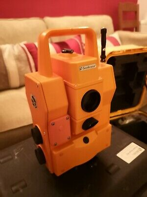 Spectra precision geodimeter 600 DR200+ theodolite staff and battery pack