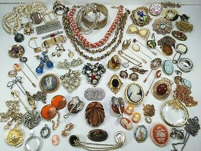 HUGE VINTAGE JEWELRY LOT Victorian Revival Cameos Bakelite Clips Pins 79 ITEMS