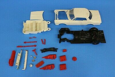REVELL 1962 Plymouth 1/24 vintage parts car not complete