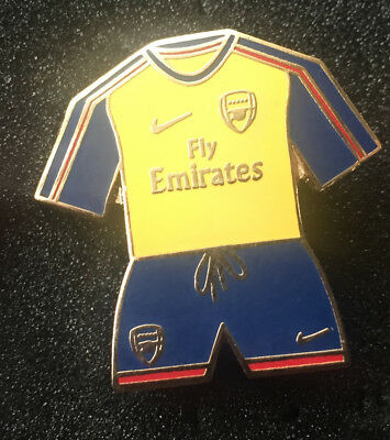 Rare Old Arsenal Away Kit Enamel Pin Badge