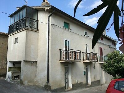 Semi-Detached House with Outbuildings, near Lanciano Italy