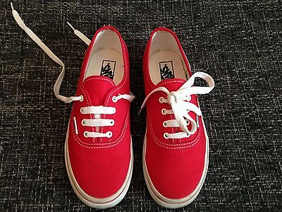 ce54cf9a92 VANS OF THE wall ladies Trainers 6.5. Good Condition!!!!! - £7.00 ...