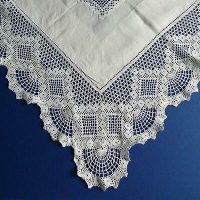 Superb Vintage White Linen Tablecloth, Broad Crocheted Filet Lace Border & Inlay